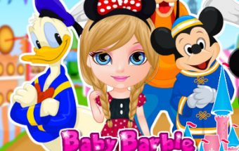 Baby Barbie a Disneyland