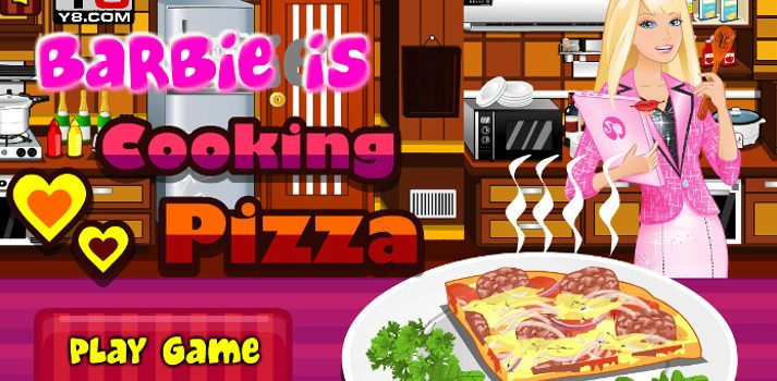 Barbie is Cooking Pizza